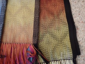 Taupe weft on the left and black on the right.
